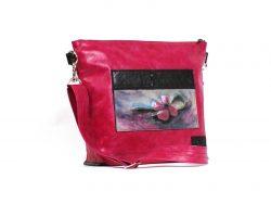 LE SAVANA UGS : DSC04770 $395.00 Un sac à main unique fait main de couleur fuchsia et noir. Idéalement porté en bandoulière.